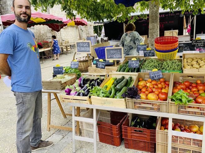 Légumes bio au marché de Pujols - Ferme de Videau
